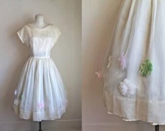 vintage 1950s prom dress - SPRING FIAR 50s wedding dress / XS