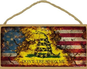 "Distressed American / Gadsden Flag Don't Tread On Me Sign 5""X10"""