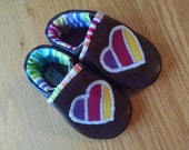 baby girls shoes rainbow hearts size 4/ 6-12 months