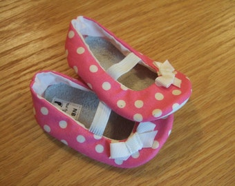 pink polka dot mary janes with bows for baby girls size 5/ 12-18 months