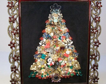 Framed Collage Vintage Jewelry CHRISTMAS TREE....this one has tiny ornaments!!
