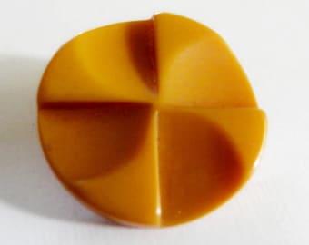Bakelite Button Custard Pinwheel
