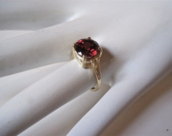 Garnet ring, garnet and gold ring, gold ring, solitaire ring, garnet solitaire ring, January birthstone ring, garnet jewelry, ring,  jewelry