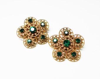 Goldtone Flower Earrings - Green Rhinestone Center - Filigree Flowers - Clip on Earrings - Daisy FLowers, Vintage Floral Jewelry