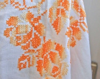 Vintage Hand Embroidery Roses on Linen Tablecloth in Orange and Yellow, Vintage Shabby Chic Tablecloth, Mid Century Cottage Home Decor
