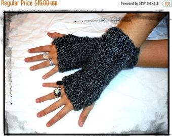 Soot & Ash Chunky Fingerless Gloves thick Unisex Tweed. Mottled Grey Mens Gloves. Handmade Wool Blend Crocheted Gloves Winter Hand Gloves