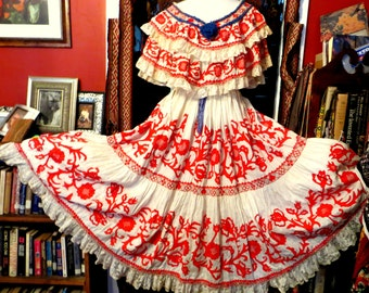 Rare 40s Mexican/South American Handmade Appliqued/Embroidered/ Top and Skirt with Lace