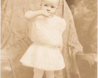 Toddler on a Chair - Vintage Photograph - Vernacular - Ephemera (A)