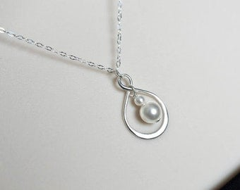 Infinity Necklace, Sterling Silver Infinity Pearl Necklace, Bridal Necklace, Mother Gift, Bridesmaids, Sister, Flower Girl Infinity Necklace