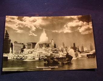 1930's Photo Postcard of Chicago's Buckingham Fountain Uncirculated