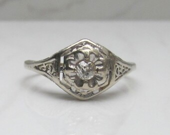 Antique Unique Floral 14K White Gold and Diamond Filigree Ring size 8