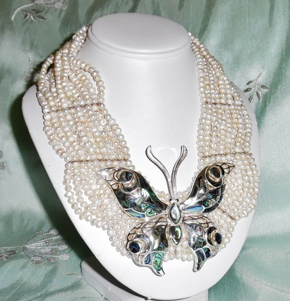 """MAGNIFICENT 1330 cts Pearls, Mother of Pearl in 4"""" Sterling Silver Butterfly 18"""" Necklace"""