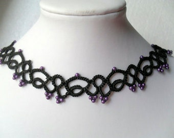 Tatted lace necklace