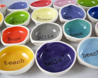 CUSTOM WHOLESALE 40 piece personalized ring dishes ceramic ring holders wedding gifts jewelry dishes gifts for her home decor gifts for kids