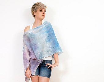 Cover Up Poncho, poncho in pastels colors.