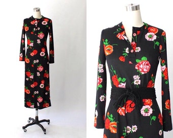 1960s Floral Tunic Dress // 60s Vintage Black and Red Long Knit  Dress // Medium