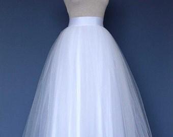 Wedding tulle skirt. White tulle skirt. Bridal tulle skirt. Long tulle skirt. Wedding over skirt.