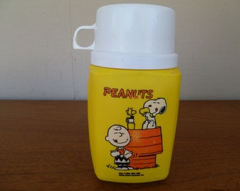 Peanuts Thermos Snoopy United Features
