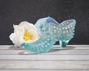 Aqua Hobnail Glass Shoe