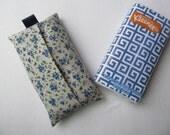 Tissue Case/Small Blue Flower