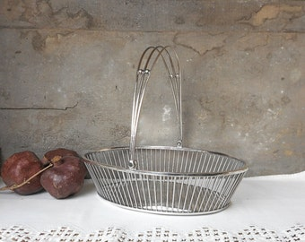 Antique Art Deco Silverplated Bread Basket with Handles Meriden Britannia Home Decor Wedding Flower Girl Basket Elegant Dining Easter