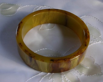 Bakelite Bangle marbleized Authentic Gold Green