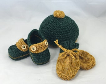 Newborn baby boy gift set booties, hat and mittens