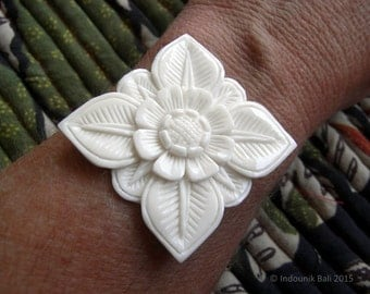 Abadi Balinese Architectural Flower Large Carved Bone Cabochon 40mm