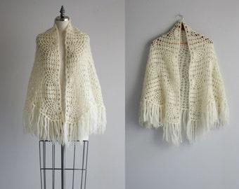 1960s Knit Shawl . Boho Chic Fringe Shawl . 60s Sweater Wrap