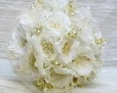 White wedding bouquet,wedding bouquet alternative,fabric bridal bouquet,white bridal bouquet, white brooch bouquet, ivory bridal bouquet set