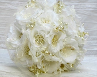 White wedding bouquet,wedding bouquet alternative,fabric bridal bouquet,white bridal bouquet, white brooch bouquet, ivory bridal bouquet set