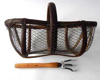 French Vintage Oyster Basket Rustic and Beautifully Hand Made Exceptional and Rare