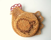 Woven Straw Chicken Hot Pad Holder / Straw Trivets Hotmats & Chichen Holder / Chicken Wall Pocket / Country Kitchen Wall Decor