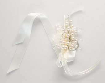 Darilyn Wrist Corsage in White Pearl w/ Clear Crystal Tips - Wedding Corsage, Mothers Corsage, Bridesmaid Corsage, Prom