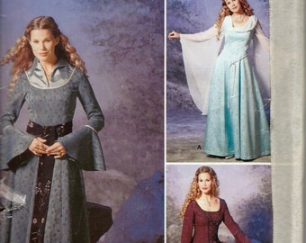 Simplicity 9891 / 0513 Medieval Renaissance Fantasy Gown Costume Pattern Sizes 6, 8, 10 and 12 UNCUT