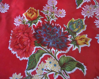 """60"""" Round RED FLOWERED Tablecloth"""