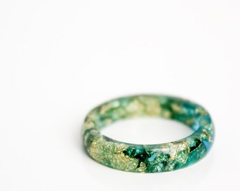 size 8 | thin smooth stacking eco resin ring | ocean blue with gold leaf flakes