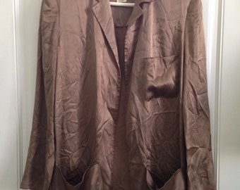 Womens vintage late 70's taupe colored 100% silk blazer with pockets size 3/4