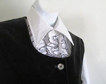 1960s-70s Black Velvet Vest by Center Stage ll, a division of Sue Ann / M /waistcoat