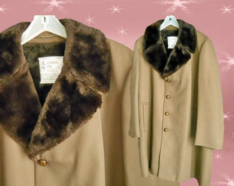 Men's Vintage Winter Coat - 60s London Fog Jacket - Fur Collar & Fur Lining - 60s - Size 46 Long