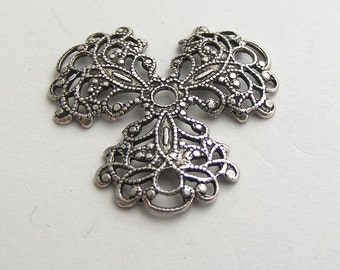 LuxeOrnaments Oxidized Sterling Silver Plated Brass Filigree 3 Petal 25mm (1 pc) Y76-VJS SG-1044
