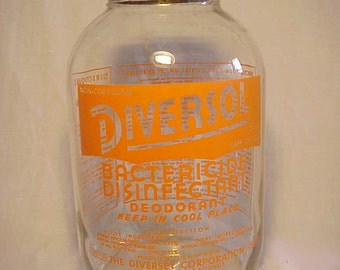 c1950 Diversol Bactericide Disinfectant Deodorant The Diversey Corp. Chicago, ILL., Orange Pyro Milk Bottle