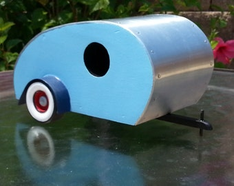 Tear Drop Trailer Birdhouse - Light Blue, Dark Blue trim, Red wheels