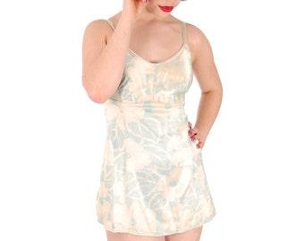 Vintage Bombshell Swimsuit Bathing Suit Hawaiian Printed Rayon Lastex 34 1930s