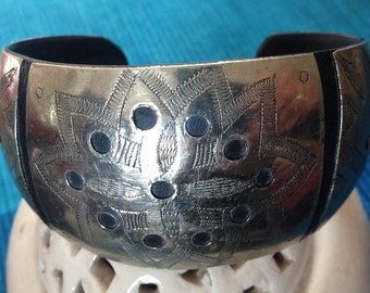 SALE !! Tuareg bracelet from the Sahara, Horn with Silvermix & Geometric Patterns, BellyDance Silver Jewelry