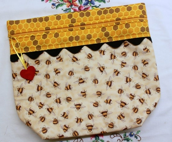 Big Bottom Bag Big Eyed Bees  Cross Stitch, Embroidery Project Bag