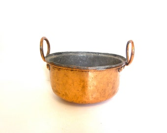 Antique hammered copper bowl / rustic metal planter with handles, vintage kitchen decor