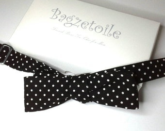 bowtie in cotton polkadot fabric, skinny style, self tie bow tie, freestyle  - bow tie ships worldwide from Bagzetoile - gifts for men