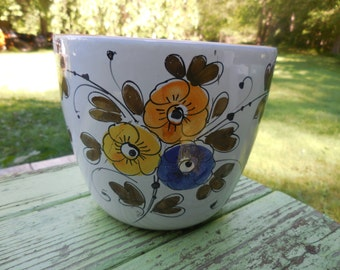 Vintage 1960s to 1980s Planter/Pot White Terracotta Indoor Blue/Yellow Flowers Green Leaves Medium Size