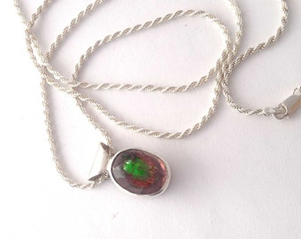 Alexandrite Quartz Doublet Pendant and French Rope 30 Inch Chain, Color Change Stone,  Faceted Green and Burgundy Red Stone, Ready to Ship